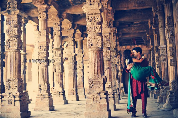 Pre-wedding photoshoot locations - Qutub Minar
