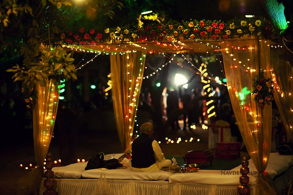 12 ways to use fairy lights in your wedding decor frugal2fab for Decoration epiphanie